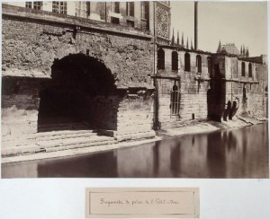 Fragments de pilier de l'ancien Hôtel-Dieu
