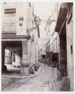 Rue Chanoinesse de la rue des Chantres