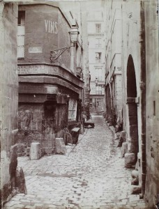 Rue de Glatigny depuis l'angle de la rue Haute-des-Ursins