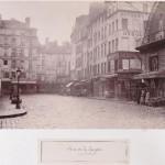 Rue de la Lingerie, vue prise des Halles avec la Halle aux Draps à droite