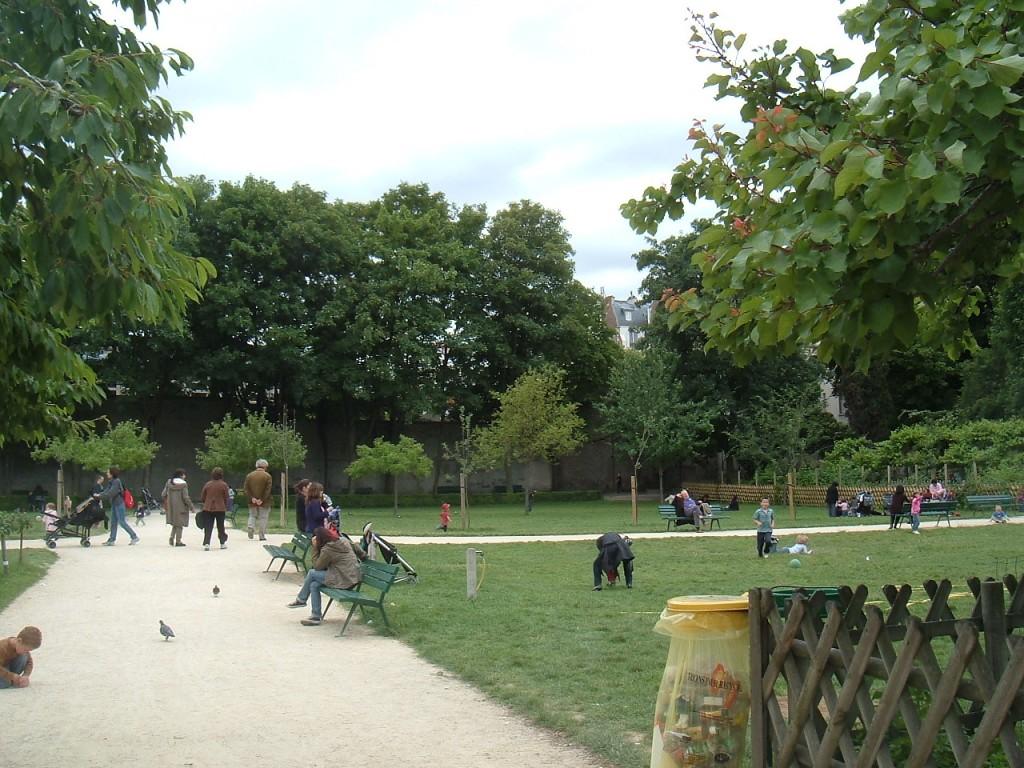 Rue plumet carpe horas for Jardin catherine laboure